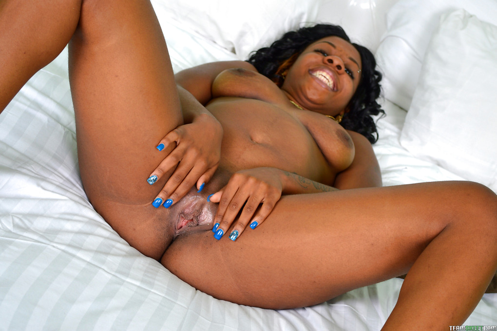 Especial. beautiful nigerian women open pussy and too